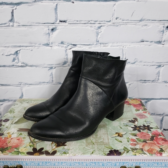 Paul Green Black Leather Ankle Boots